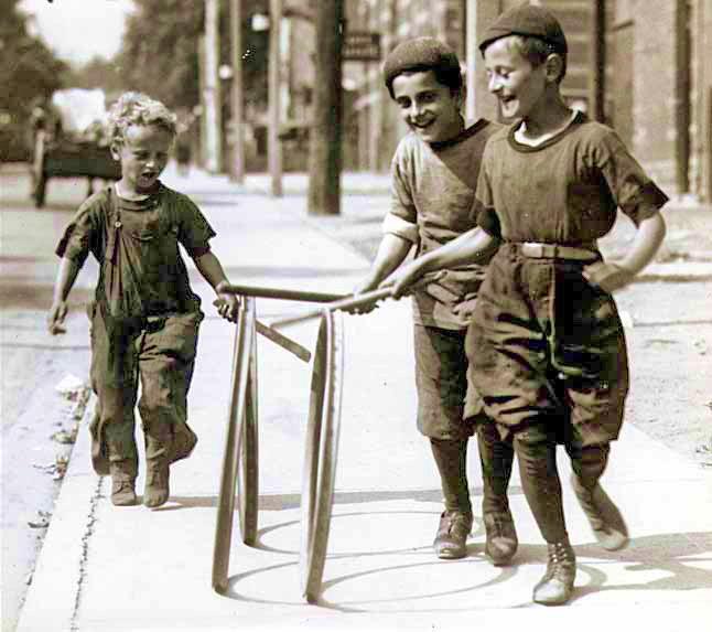 nenos-xogando-en-1922